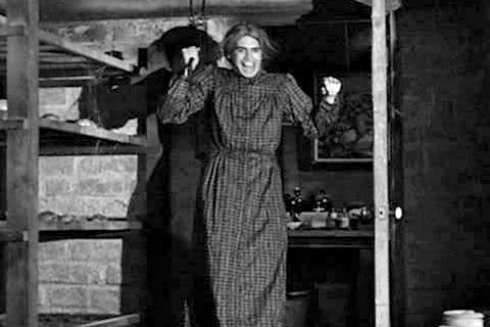 Norman-Bates-Dressed-as-Woman-Psycho