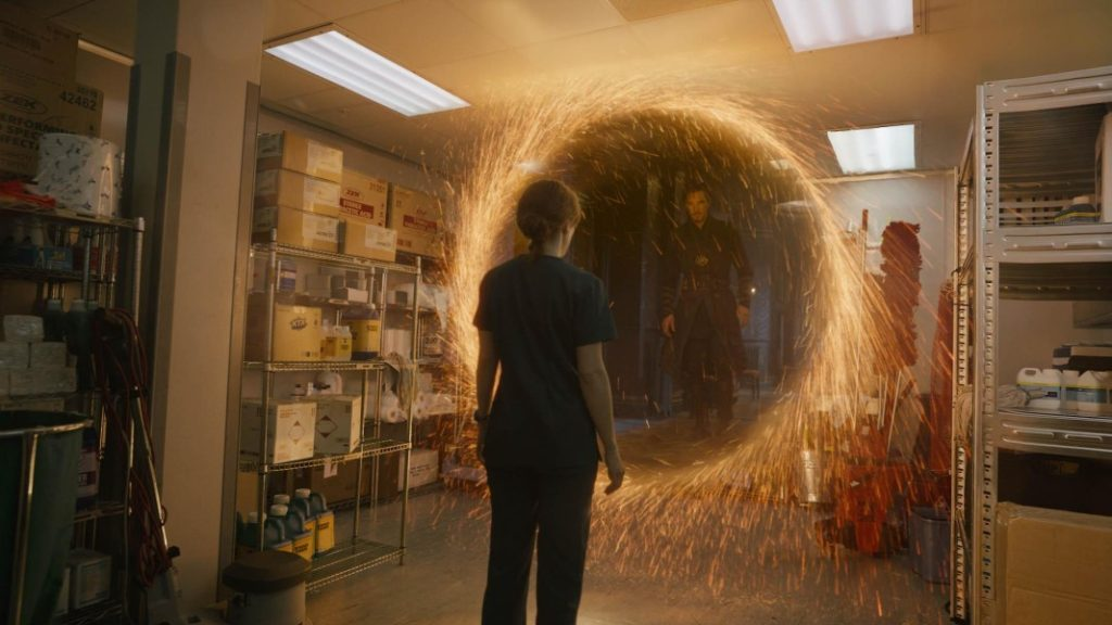 Film-Doctor-Strange-Apertura-Multiverso-2016-Recensione-Comparata