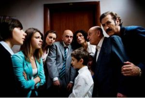 Una scena del Film: Tutti Contro Tutti -2013