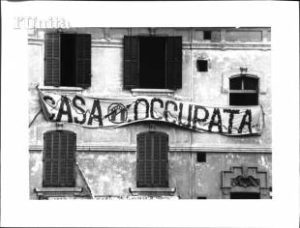 Casa Occupata- Quotidiano Italiano L'Unità