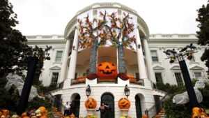 Today-White-House-Halloween- (USA)