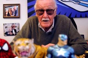 Stan Lee nel suo studio privato