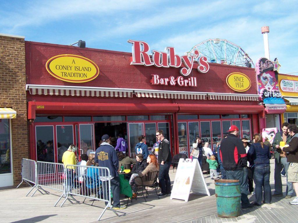 Foto-Ufficiale-da-Twitter-Ruby's-Bar-Grill-Coney-Island-New-York-USA-Recensione-Comparata-2019
