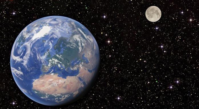 Dallo-spazio-la-visione-della-terra-e-della-luna-Recensione-Comparata-2019