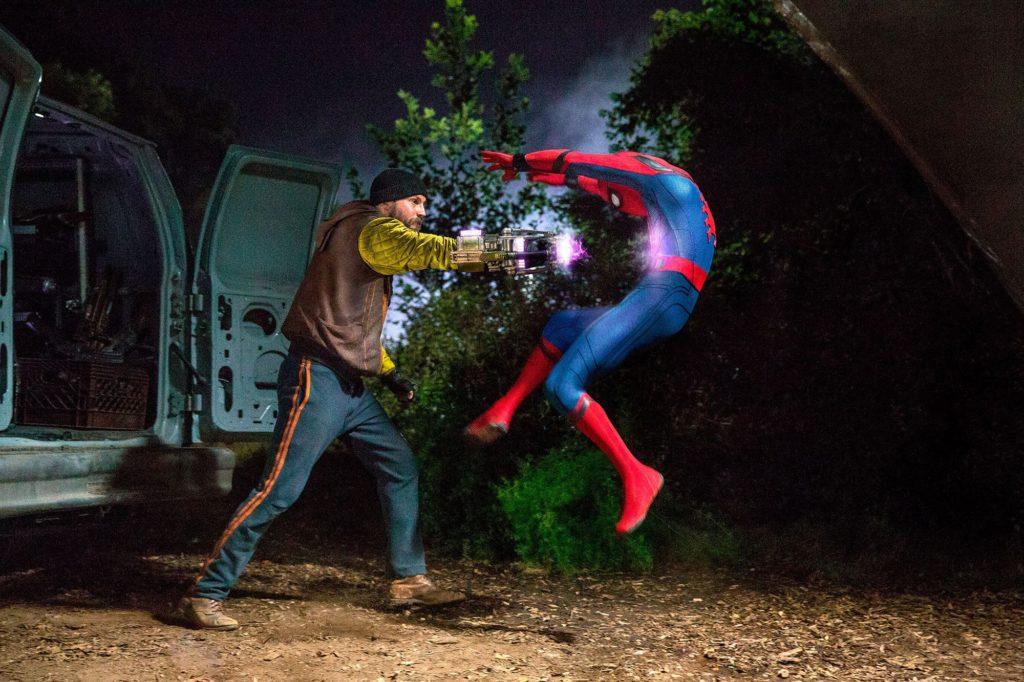 Spider-Man-Homecoming-Scena-del-Film-2017-Recensione Comparata