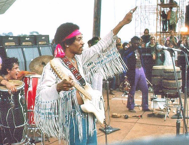 Woodstock-1969-Jim-Hendrix-Recensione-Comparata-2019