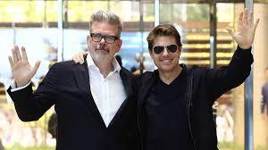 Regista-Christopher-McQuarrie-e-Attore-Tom-Cruise-Recensione-Comparata-2020