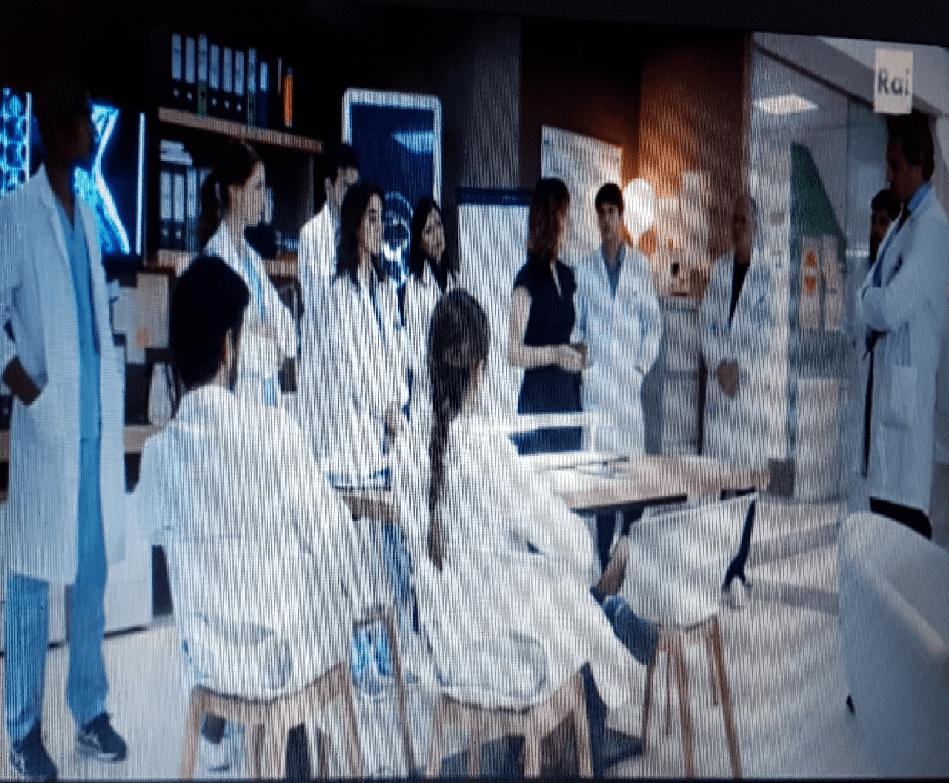 Fiction-RAi-1-DOC-Nelle-Tue-Mani-Equipe-Medicacambierà-atteggiamento-con-Fanti-Recensione-Comparata-2020