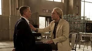 Skyfall-J.-Bond-catturato-da-Roul-Silva-interpretato-Javier-Bardem