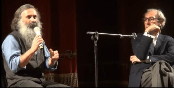Dibattito costruttivo tra Guidalberto Bormolini e il cantautore Franco Battiato al Teatro Metropolitan di Catania nel 2014